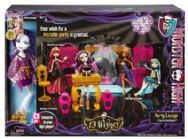 Monster High 13 Wishes Party Lounge and Spectra Vondergeist Doll